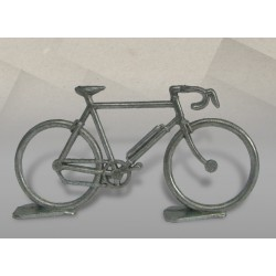 Vélo en métal seul brut