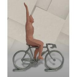 Cycliste dissociable plastique (vainqueur) + vélo métal, 1/32